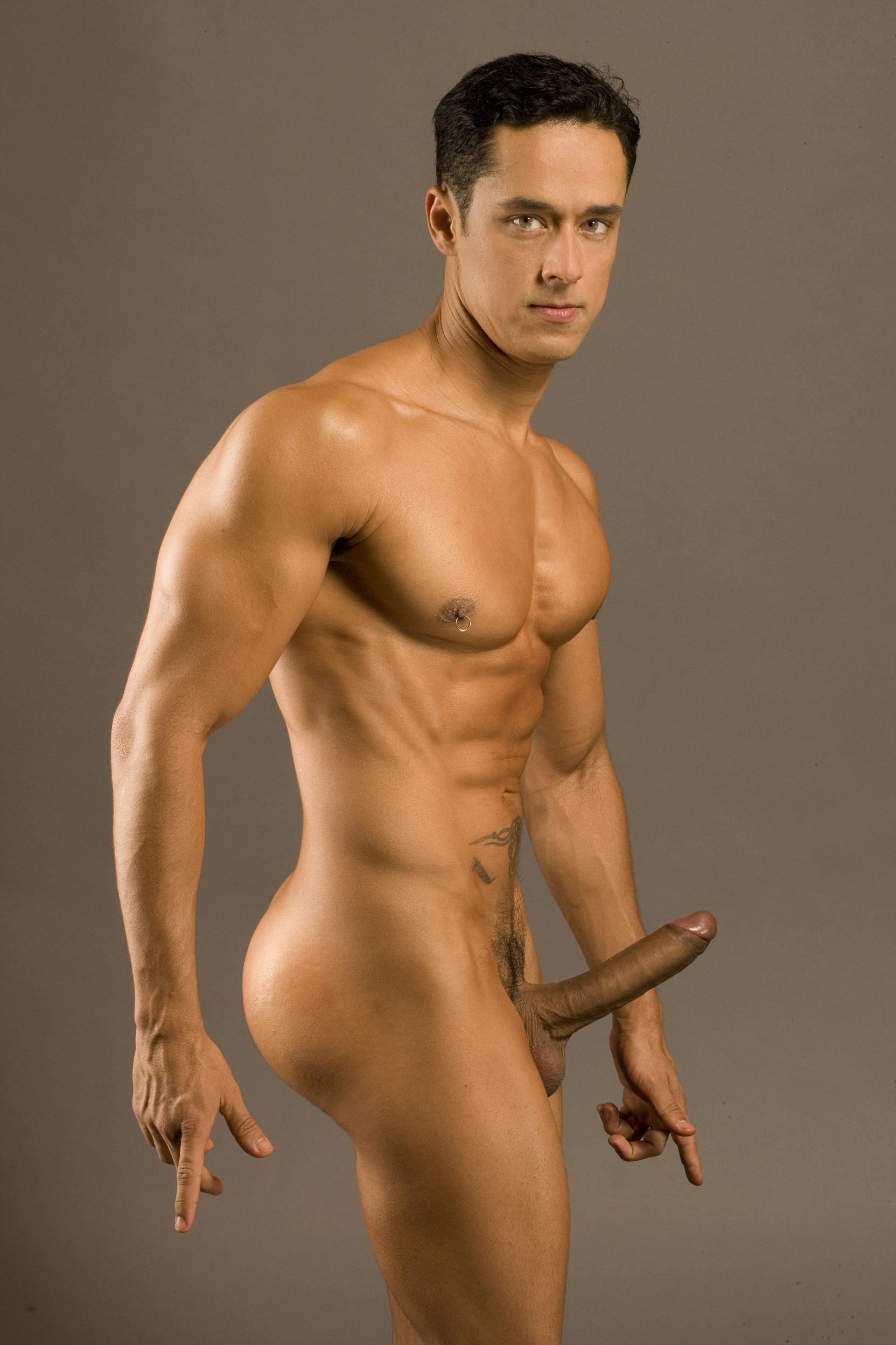 Фото голых мужчин артистов 26 фотография